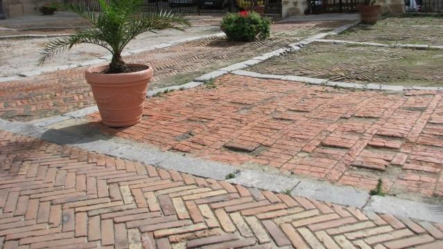 Seni ir nauji Italijos grindiniai